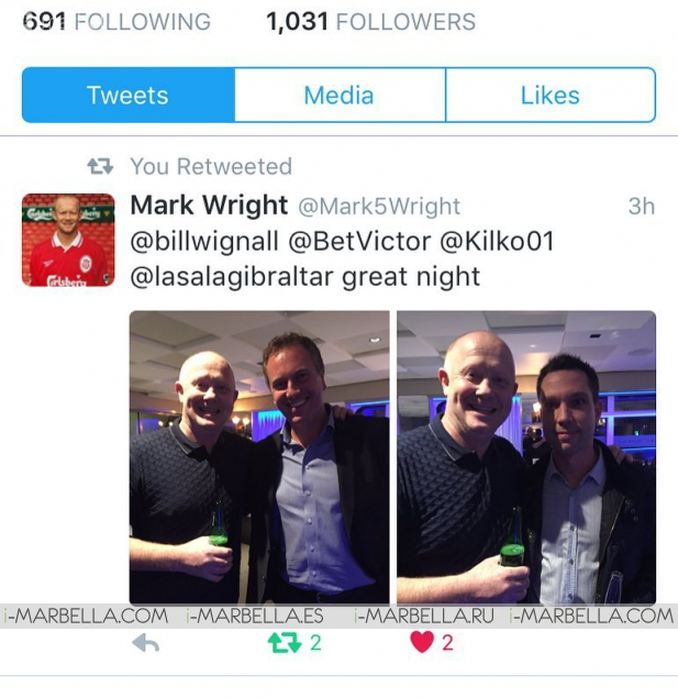 El futbolista Mark Wright visita La Sala Gibraltar
