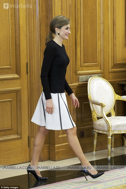 La reina Letizia acierta con tacones de aguja