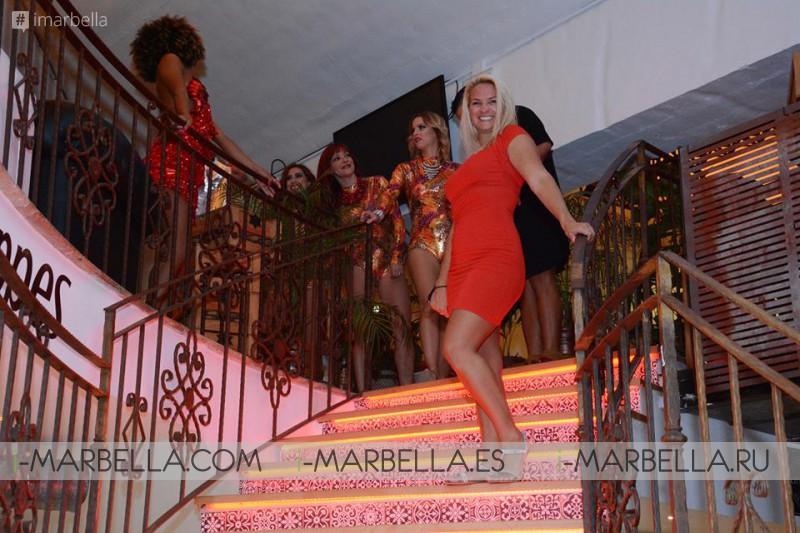 Fiesta Burlesque Rojo y Negro @ Ambrosia Gourmet Market  23 de septiembre´16