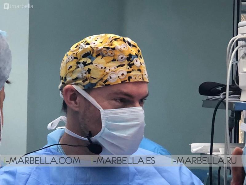 Dr. Kai Kaye Ocean Clinic Marbella realizando un curso de ISAPS de cirugía en vivo en la India 2019
